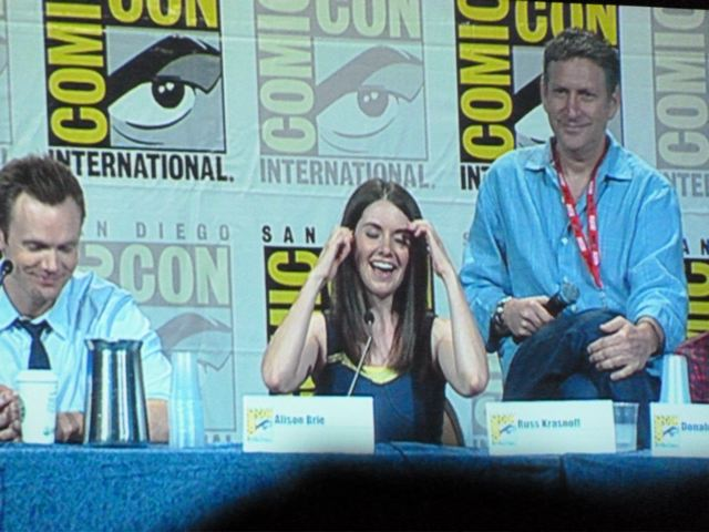 Community Comic-Con Panel- Alison Brie P1000349_2