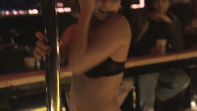 Vanessa-hudgens-stripping2