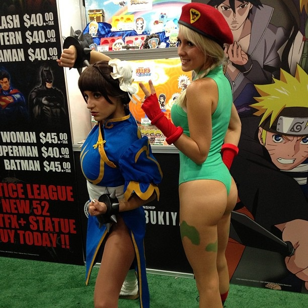 cosplay-streetfighter-chun-li-and-cammy-01