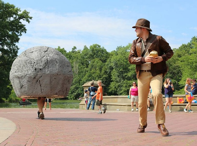cosplay-indiana-jones-and-the-boulder-central-park-NYC