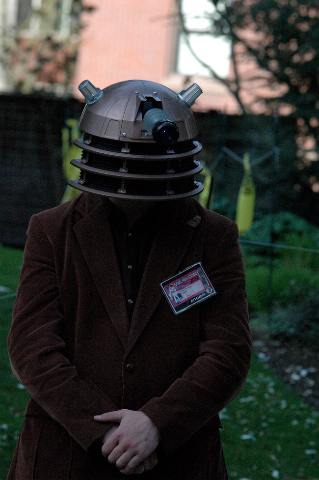 cosplay-doctorwho-dalek-gentleman-01