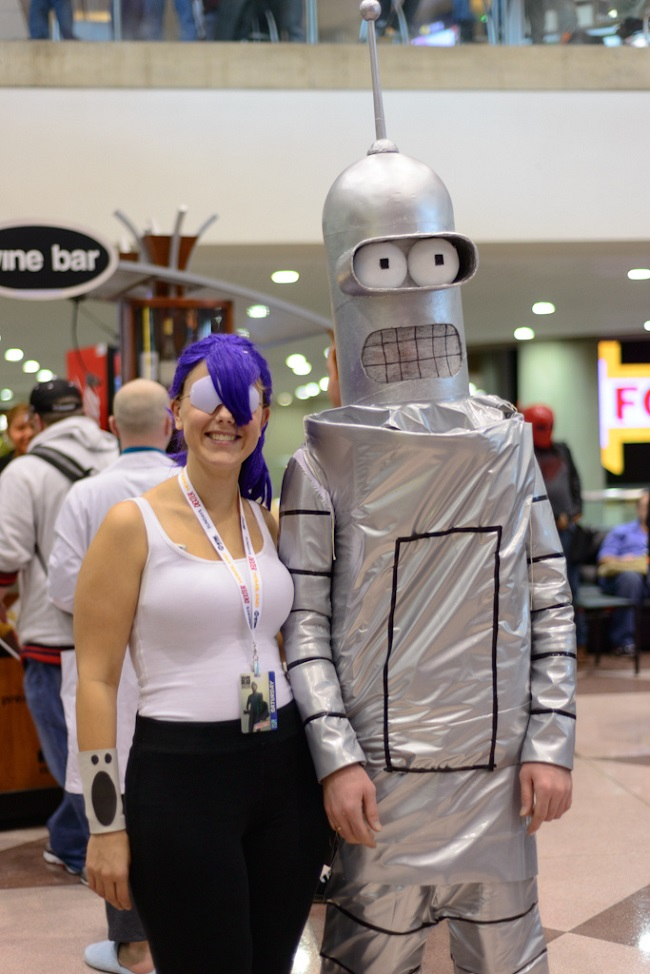 cosplay-futurama-leela-and-bender