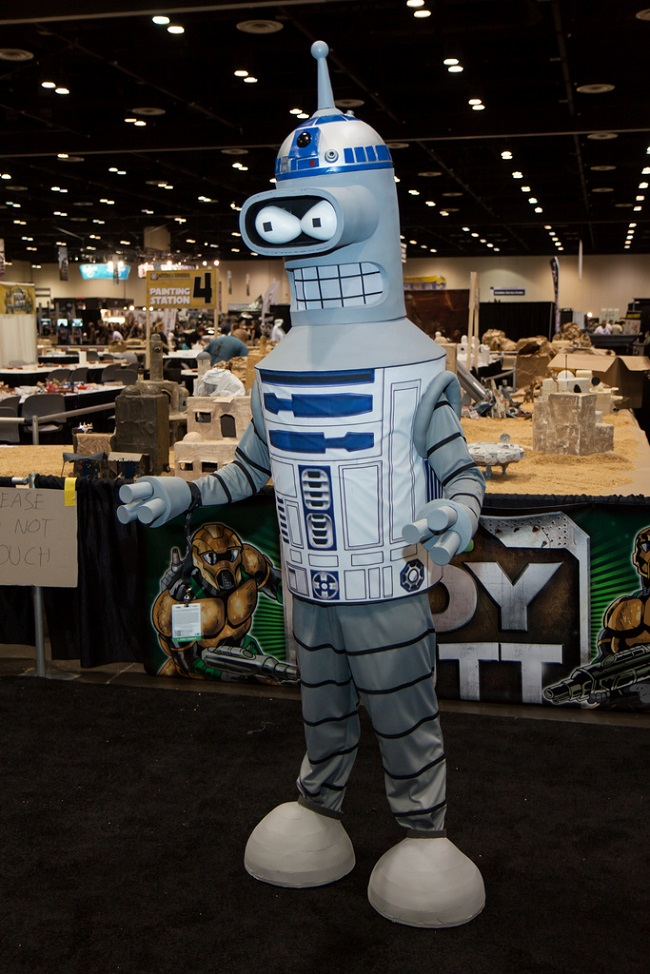 cosplay-futurama-mashup-bender-starwars-r2d2