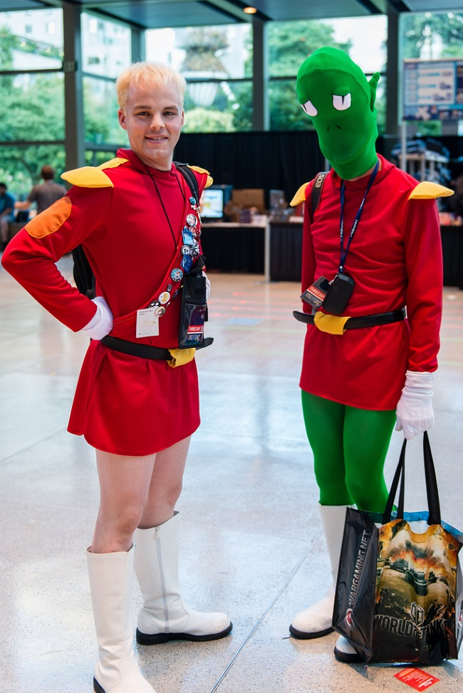 cosplay-futurama-zapp-brannigan-and-kiff-kroker-01