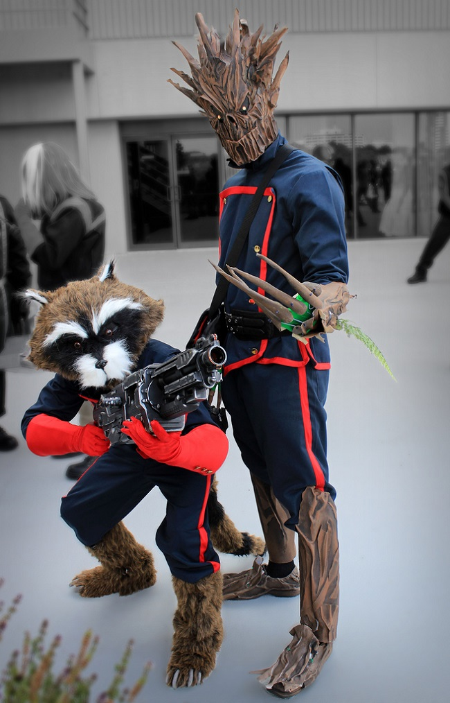 cosplay-guardians-of-the-galaxy-groot-and-rocket-raccoon-02