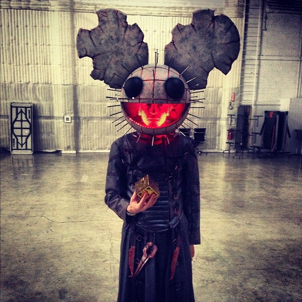 cosplay-Deadmau5-2012-hellraiser-costume