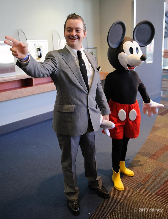 cosplay-walt-disney-and-mickey-partners-costume